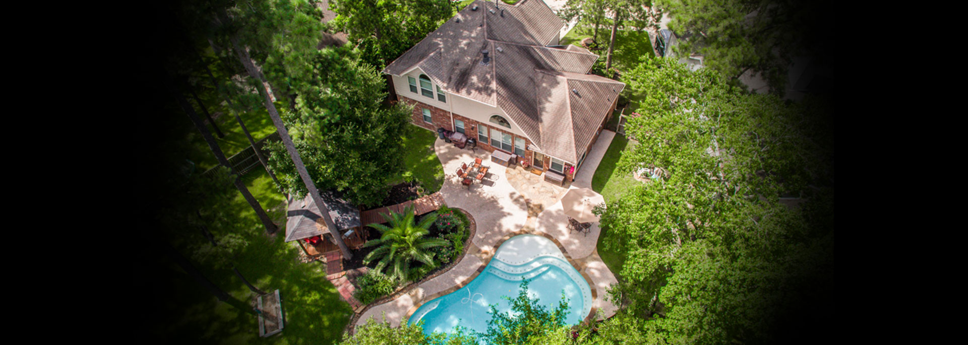 ariel view house-pool